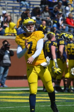 Shane Morris competes in Michigan's 2014 spring game. (Rebecca Gallagher/MJ).