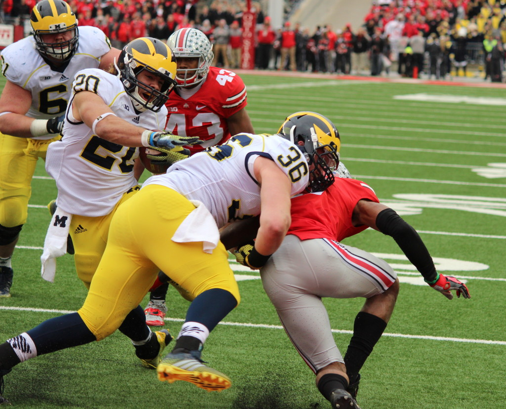 Drake Johnson barrels into the end zone for his second touchdown of Michigan-Ohio State on Nov. 29. (Ricky Lindsay/MJ)