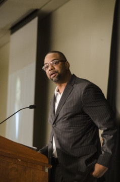 Galen Duncan, Detroit Lions BLANK, speaks at UM-Dearborn's all-sports banquet on May 8. (Rebecca Gallagher/MJ)