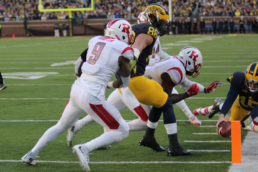 Jake Rudock dives for the pylon in the first quarter of Michigan's 49-16 rout of Rutgers Nov. 7. (Amber Ainsworth/MJ)