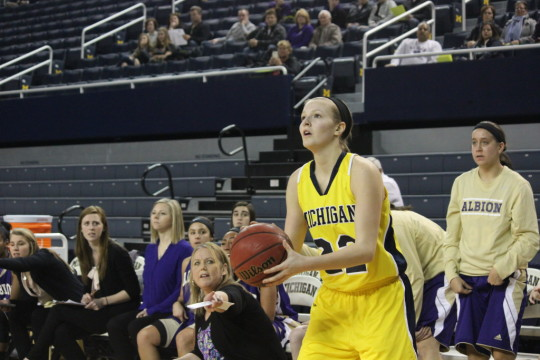 Kendall Rose readies a shot against Albion at the Crisler Center on Dec. 19, 2015. (Ricky Lindsay/MJ)