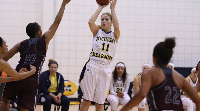Arryn Dochenetz of Women's Basketball (Aubree Stamper/MJ)